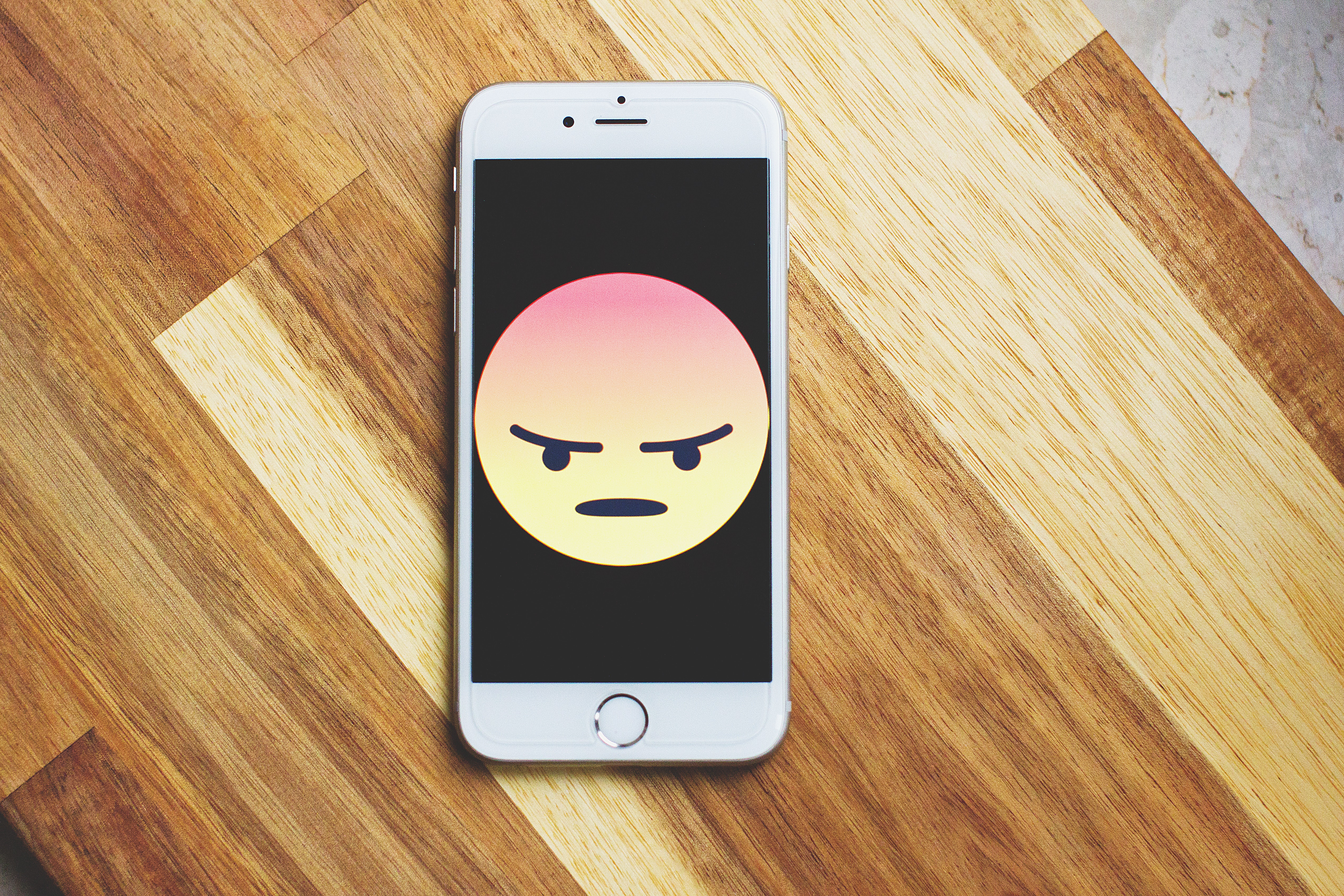 Grumpy people are said to be superior negotiators and decision-makers. (Credit: Pexels)